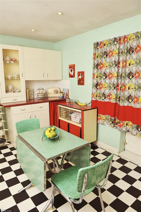 1950s Style Home Decor Who Ve Turned Their Homes Into Shrines To Their Favourite Decade Daily Mail