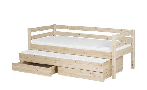 kinderbett mit ausziehbett und schubladen flexa bett mit ausziehbett und schubladen 90x200 kiefer