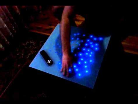 beleuchteter nachttisch interaktywny stolik
