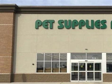 america s favorite neighborhood pet store marks territory