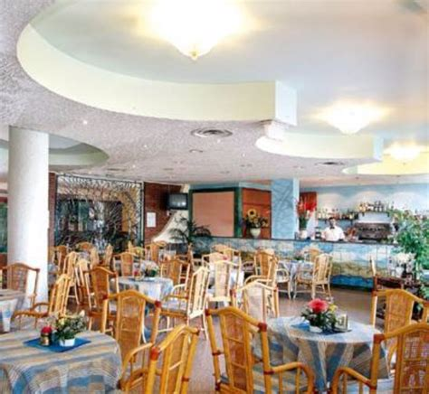 hotel baia giardini naxos hotel sporting baia giardini naxos 123 900 ft t 243 l