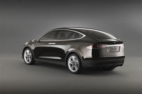 The Tesla 2015 Tesla Model X Electric Crossover Will Be All Wheel