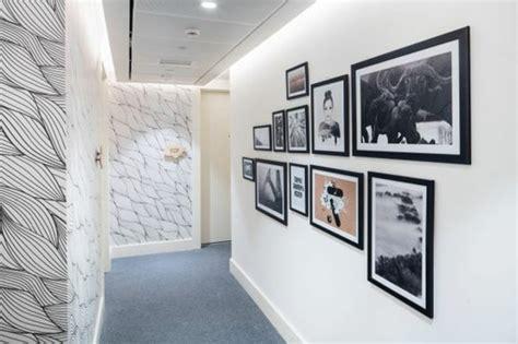 attrayant deco couloir noir et blanc 13 papier peint deco couloir noir et blanc maison design sphena com