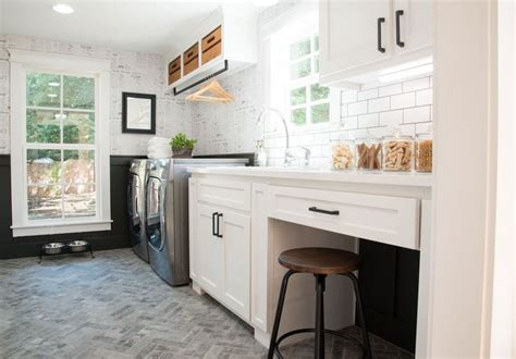 17 best ideas about magnolia realty on pinterest fixer 17 best ideas about house season 4 on pinterest house