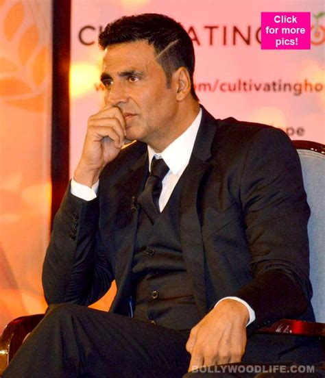 midlle path hair style akshay kumar akshay kumar makes a dashing appearance at the launch of