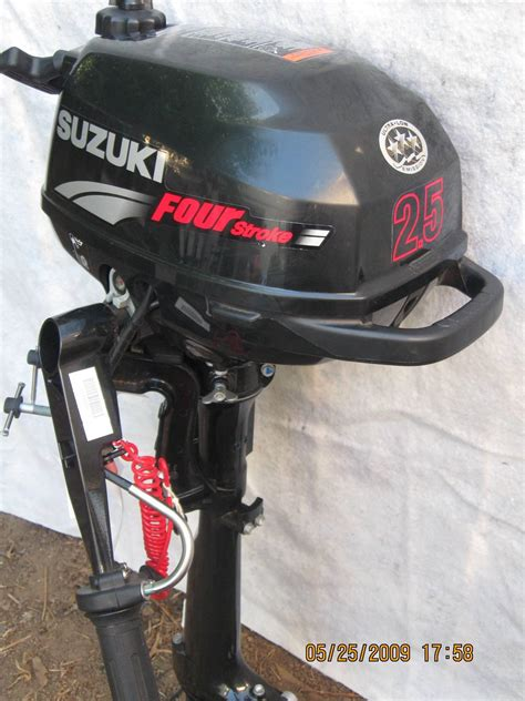 Suzuki 2 5 Outboard For Sale 2007 Suzuki 2 5 Hp Four Stroke Outboard Motor Bloodydecks