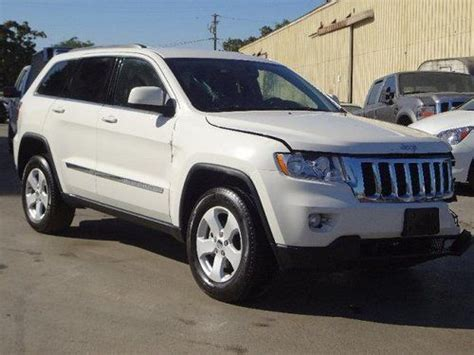 wrecked white jeep grand cherokee sell used 2012 jeep grand cherokee laredo damaged salvage