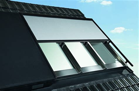 roto dachfenster jalousien roto panorama dachfenster azuro geschlossen mit
