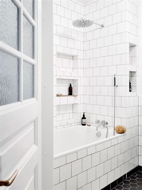 subway tile in bathroom ideas 1223 best bathroom niches images on pinterest bathrooms