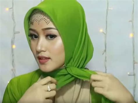 tutorial hijab pesta segi empat pashmina elegan simple