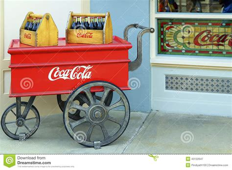 imagenes retro coca cola carro retro de la coca cola fotograf 237 a editorial imagen