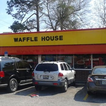 waffle house pensacola fl waffle house fast food 4631 mobile hwy pensacola fl reviews photos phone
