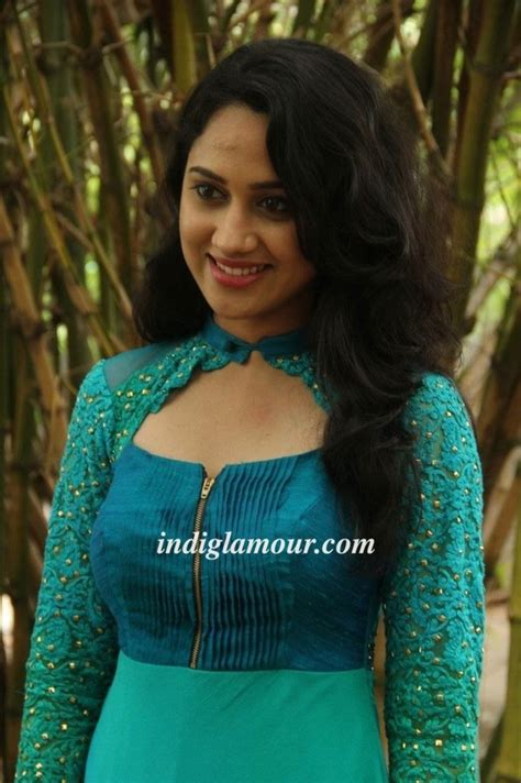 Miya George Actress Gallery|Mollywood Actress Photos ... Actress