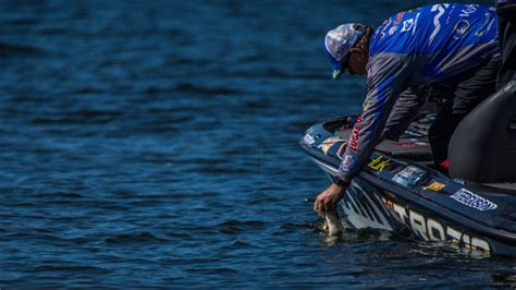 Major Sweepstakes - major league fishing summit vacation sweepstakes freebies ninja