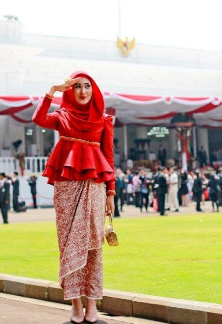 tutorial hijab formal elegan ala dian pelangi 1000 ideas about kebaya hijab on pinterest kebaya