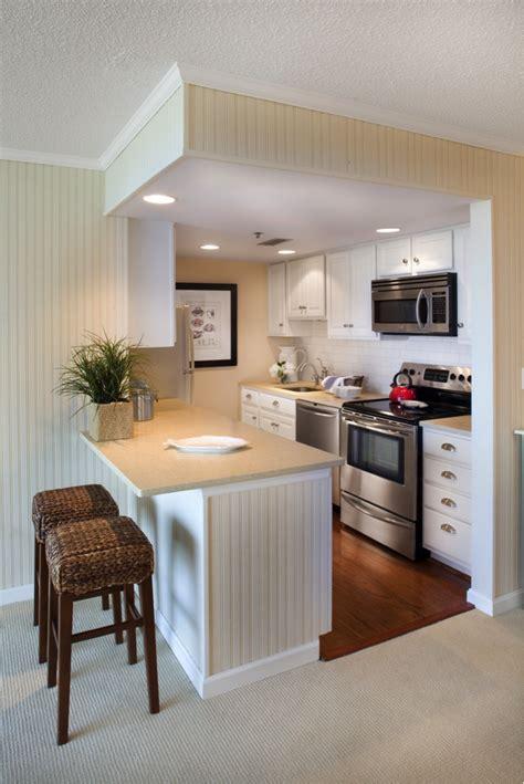 decorar cocinas pequeñas modernas comedores color plata