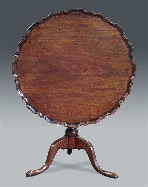 Antique pie crust tripod table, Georgian pie crust table