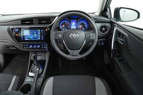 toyota auris interior toyota auris touring sports review 2017 autocar
