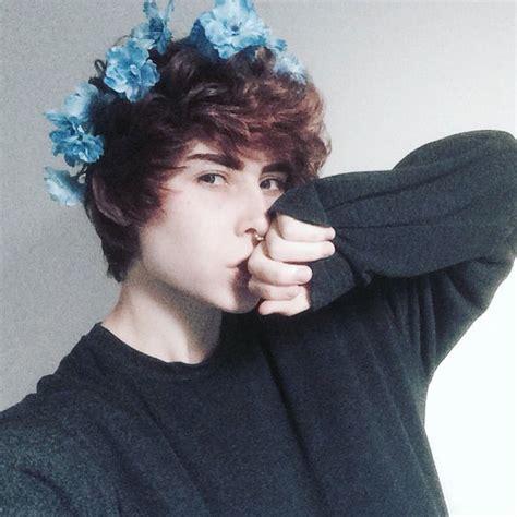 boys hair crown trash daddy filthwolf twitter