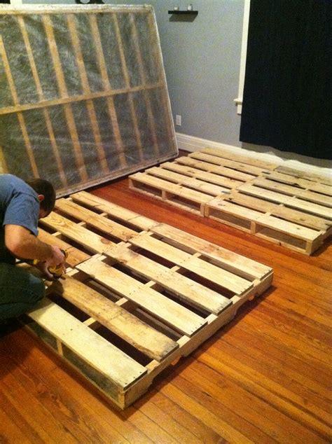 Pallet Bed Frames Diy Diy Pallet Bed With The Joneses
