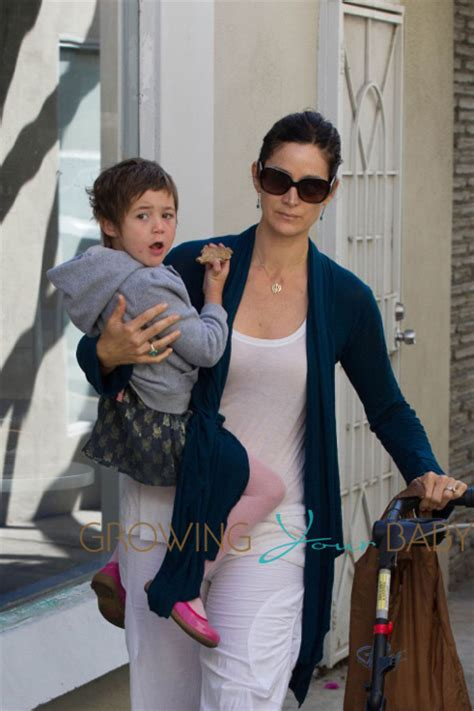 Carrie Anne Moss Spends The Day at The Farmer?s Market