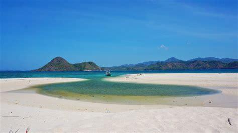 tempat keren   kamu temukan  pulau bawean