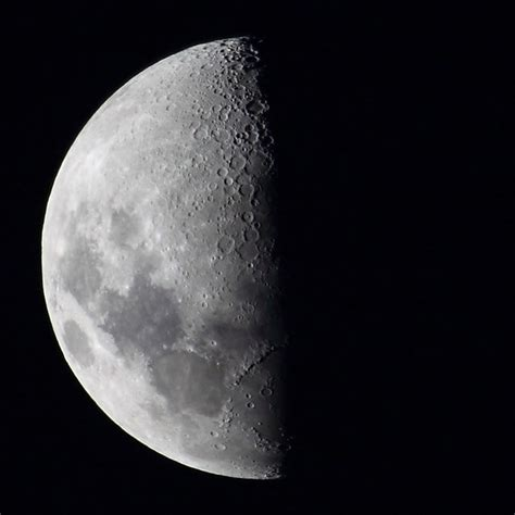 quarter luna   quarter moon     flickr