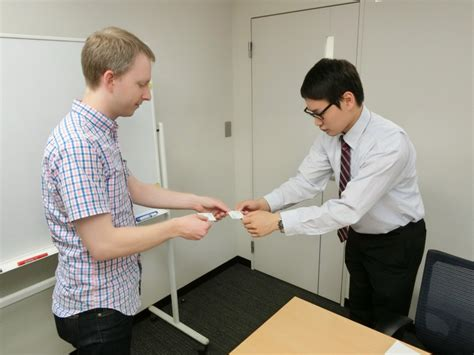 How To Exchange A Gift Card - exchanging business cards in japan useful tips japan