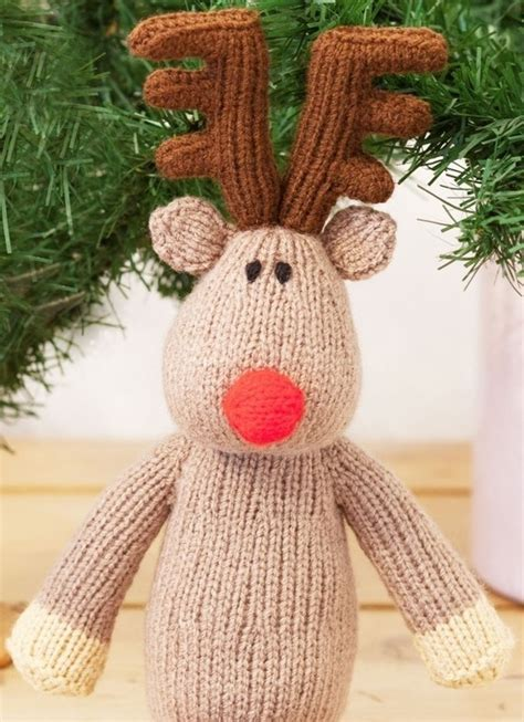 knitting patterns english woman s weekly free christmas knitting pattern for a knitted reindeer