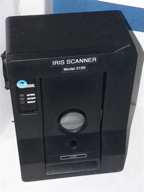 one scans file iriscan model 2100 iris scanner 1 jpg wikimedia commons