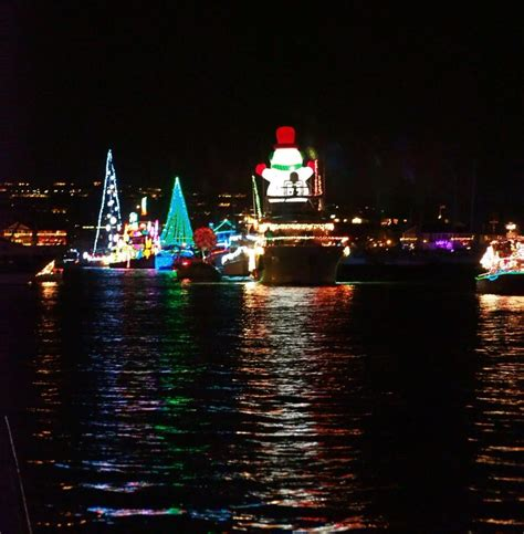 newport beach harbor lights cruises newport beach boat parade a california tradition womanscape