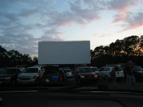 drive in theatre cape cod eat fly play wellfleet drive in theater in cape cod