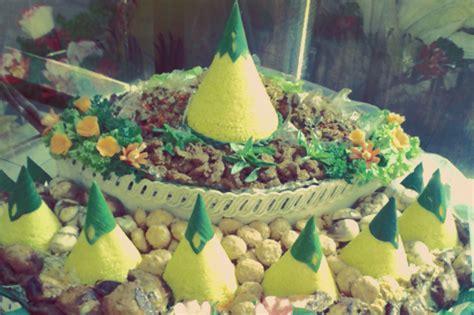Pesan Kemasan Cone Mini 100 tumpeng tumpeng birthdays food 25 boodle fight ideas boodle fight family