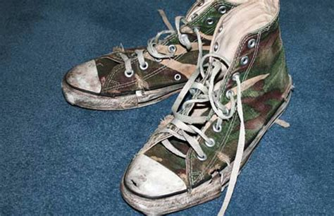 how to make your shoes not smell how to make your shoes less smelly modern
