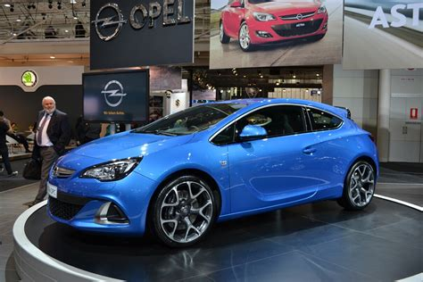 opel astra opc opel cars news astra opc launched from 42 990