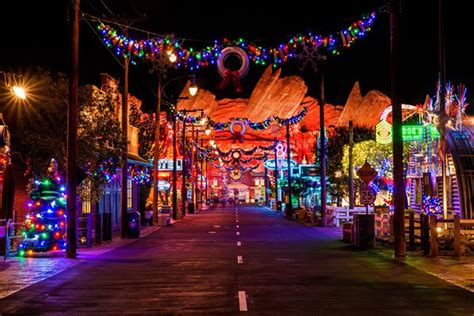 enjoy the magic of disney this christmas at disneyland