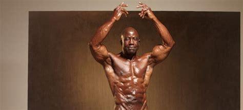 womane bode vegeni 78 year old vegan male bodybuilder jim morris will make