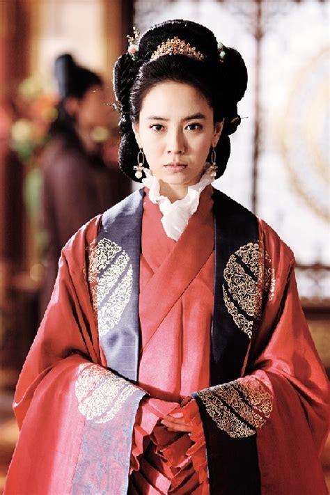 film korea terbaru song ji hyo song ji hyo is a south korean tv and film actress she is