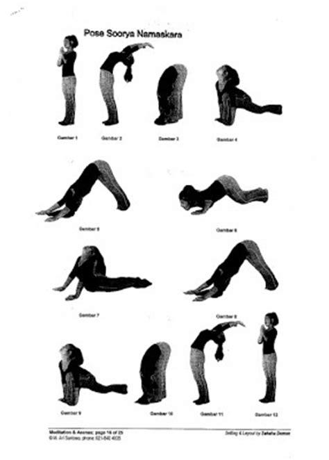 gambar tutorial gerakan yoga soorya namaskara gerakan yoga capcaibakar