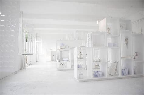 whitening shoo le white parisian concept store 2 trendland