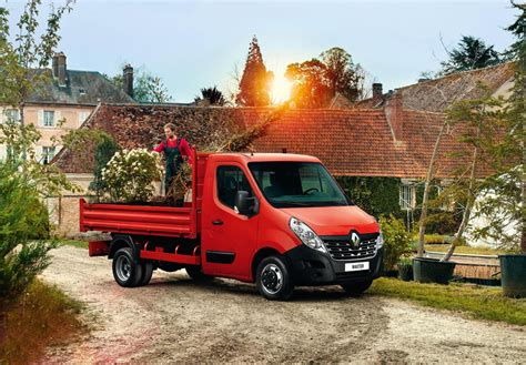 renault master 2015 2015 renault master uk pricing and specifications