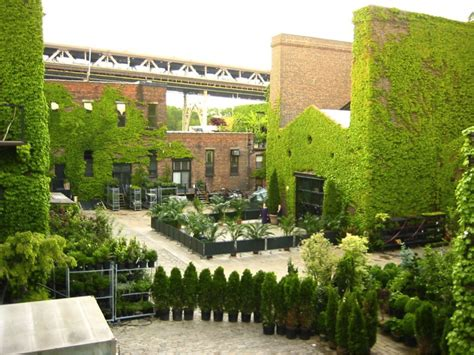 unconventional wedding venues new york 5 unique nyc wedding venues preppy wedding style