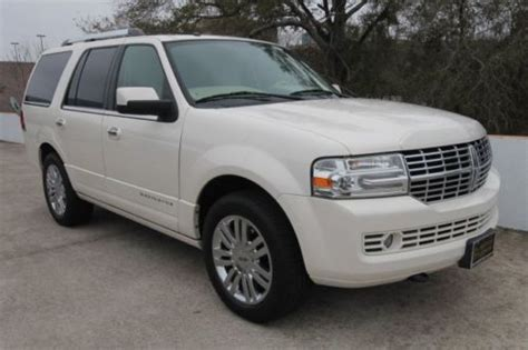 how cars run 2008 lincoln navigator l navigation system sell used 2008 lincoln navigator power running boards navigation white tan leather 2wd in