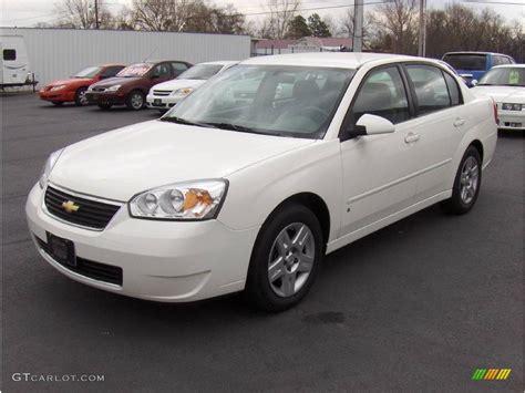 white chevy malibu 2008 white chevrolet malibu classic lt sedan 4088326