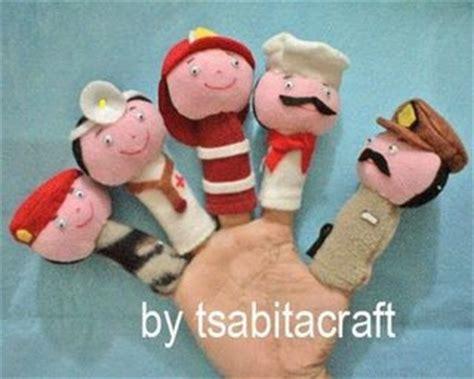 Boneka Jari Serigala Dan 7 Domba Kecil The Wolf And Seven Goats griya anak muslim boneka tangan boneka jari profesi