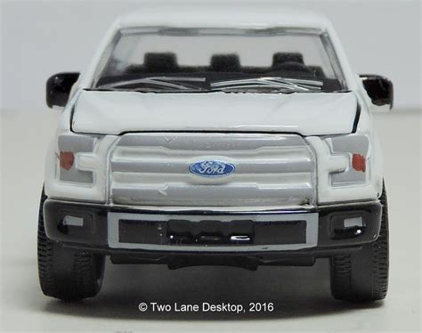 Majoratte Ford two desktop majorette 2015 ford f 150 and welly