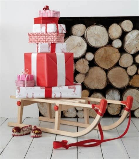 Christmas Candy Centerpieces - 25 outdoor christmas decorations for a jolly holiday spirit