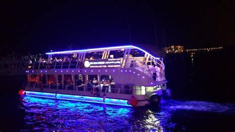 catamaran dubai water canal cruise one of the small dhow picture of dubai marina luxury