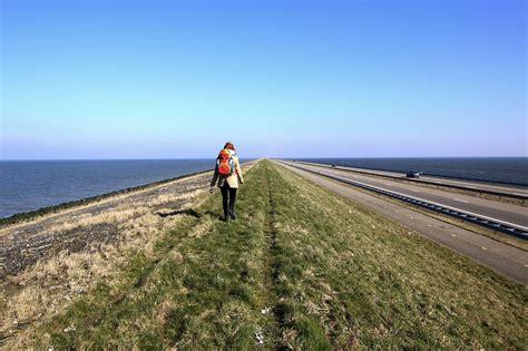 www wandlen de bloed zweet en blaren 32 km wandelen de afsluitdijk