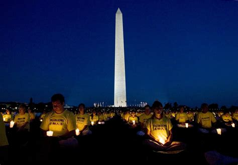 Candle Lighting Times Washington Dc by Washington D C Candlelight Vigil Against The